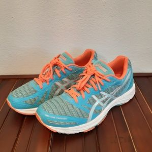 ASICS GEL DS TRAINER 22  - RUNNING SHOES